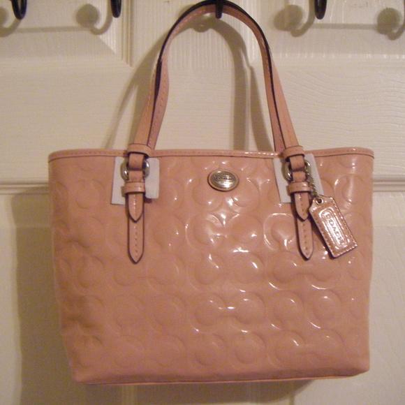 Coach Handbags - Coach Peyton Op Art Embossed Patent Leather Bag